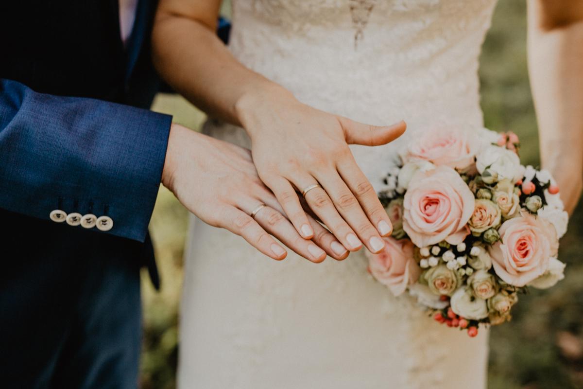 964A2044 2 - Wie finde ich den passenden Hochzeitsfotografen?